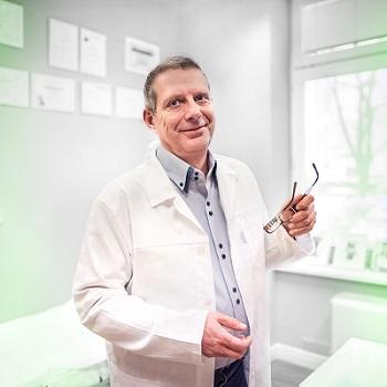 Dr. Michal Puls - Chefarzt Medicom Klinik Prag